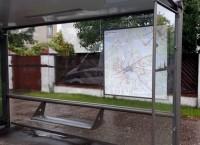 Pieturvietās izvieto sabiedriskā transporta maršrutu kartes