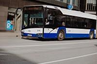 Lieldienās būs izmaiņas sabiedriskā transporta, autostāvvietu un klientu apkalpošanas centra darbībā