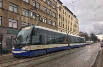 Низкопольный трамвай (15T)